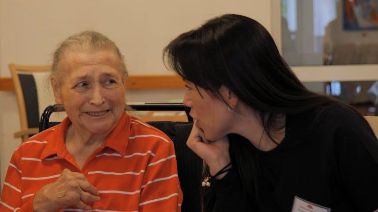 Reportage: Südamerikanische Pflegekräfte in Deutschland